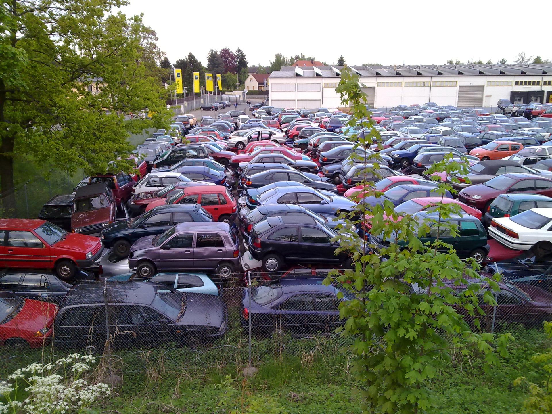 свалка автомобилей в украине фото нагов