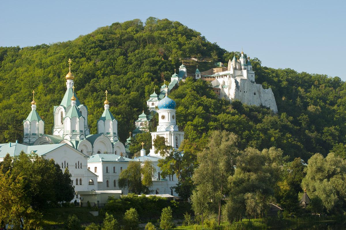 святогорский монастырь фото