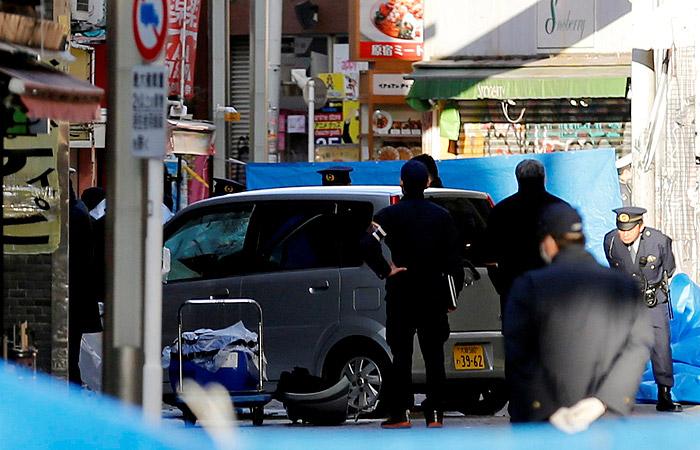 В Токио протестующий против казней водитель въехал в толпу
