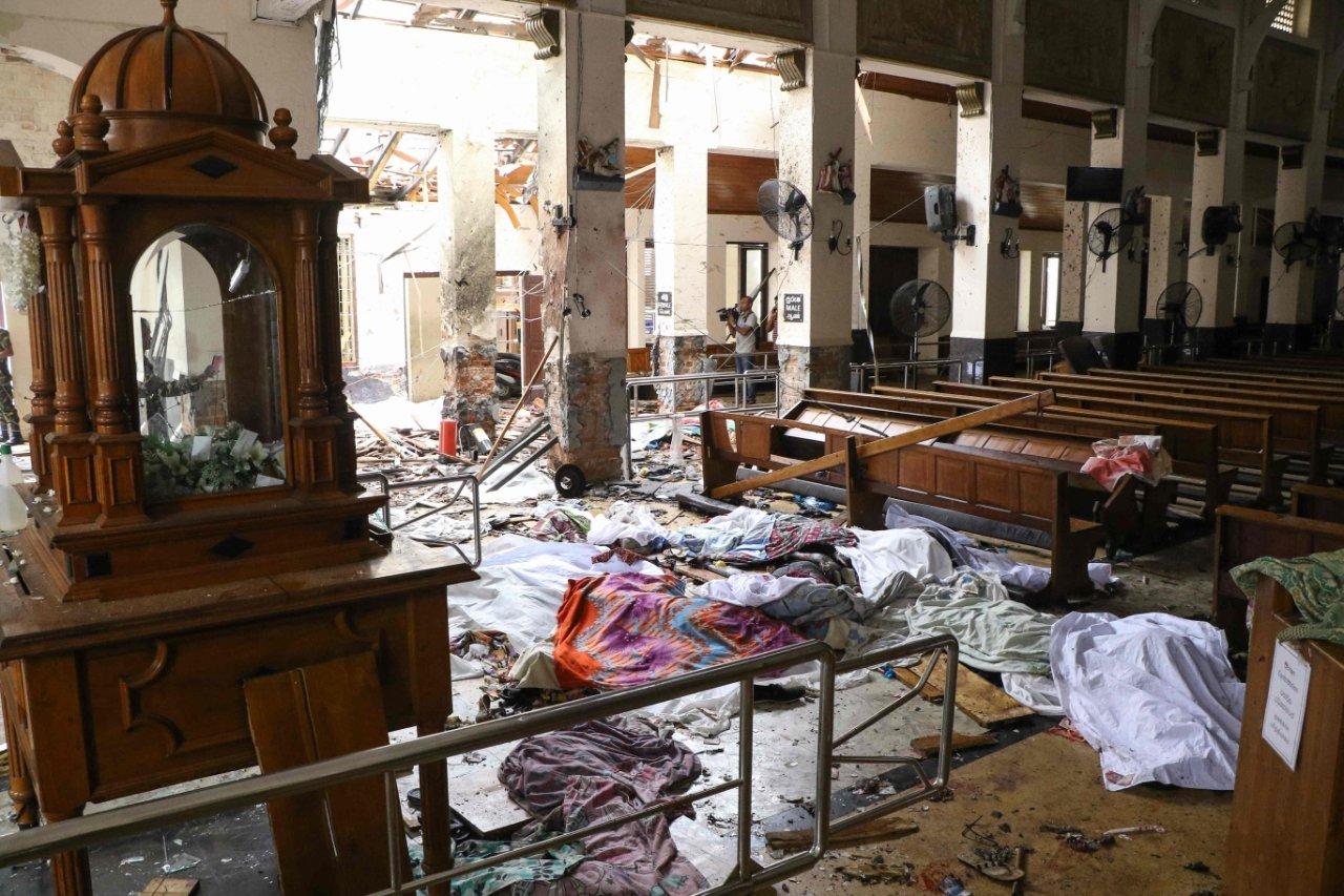 Разрушения внутри церкви святого Антония