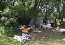 Суд звільнив від покарання двох нападників на ромський табір у Львові