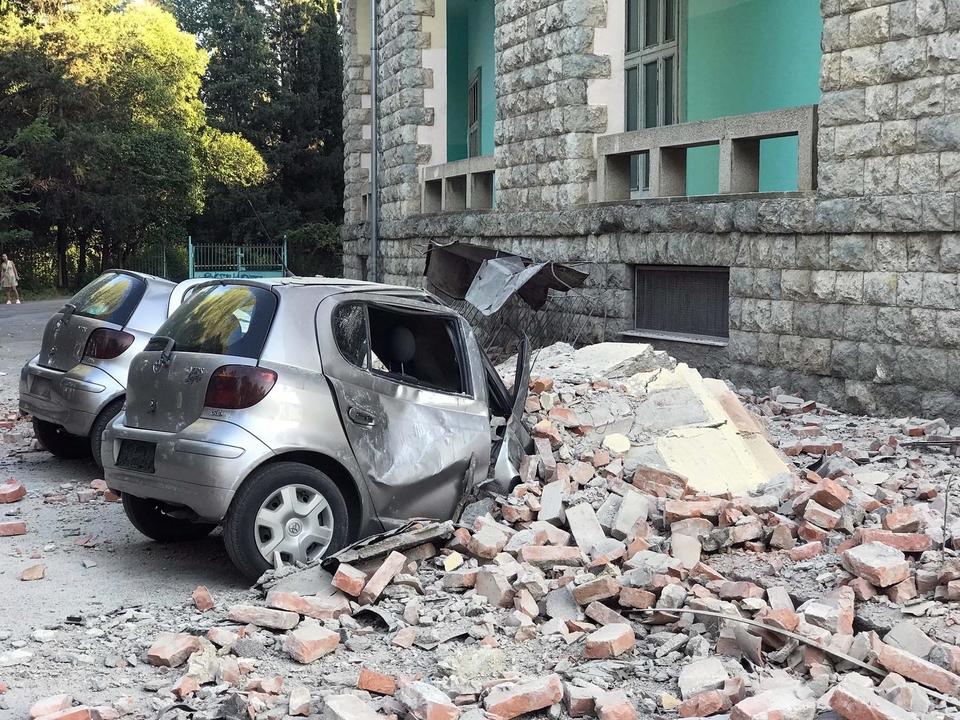 В результате землетрясения в Албании, которое произошло в субботу, 21 сентября, пострадали 68 человек.