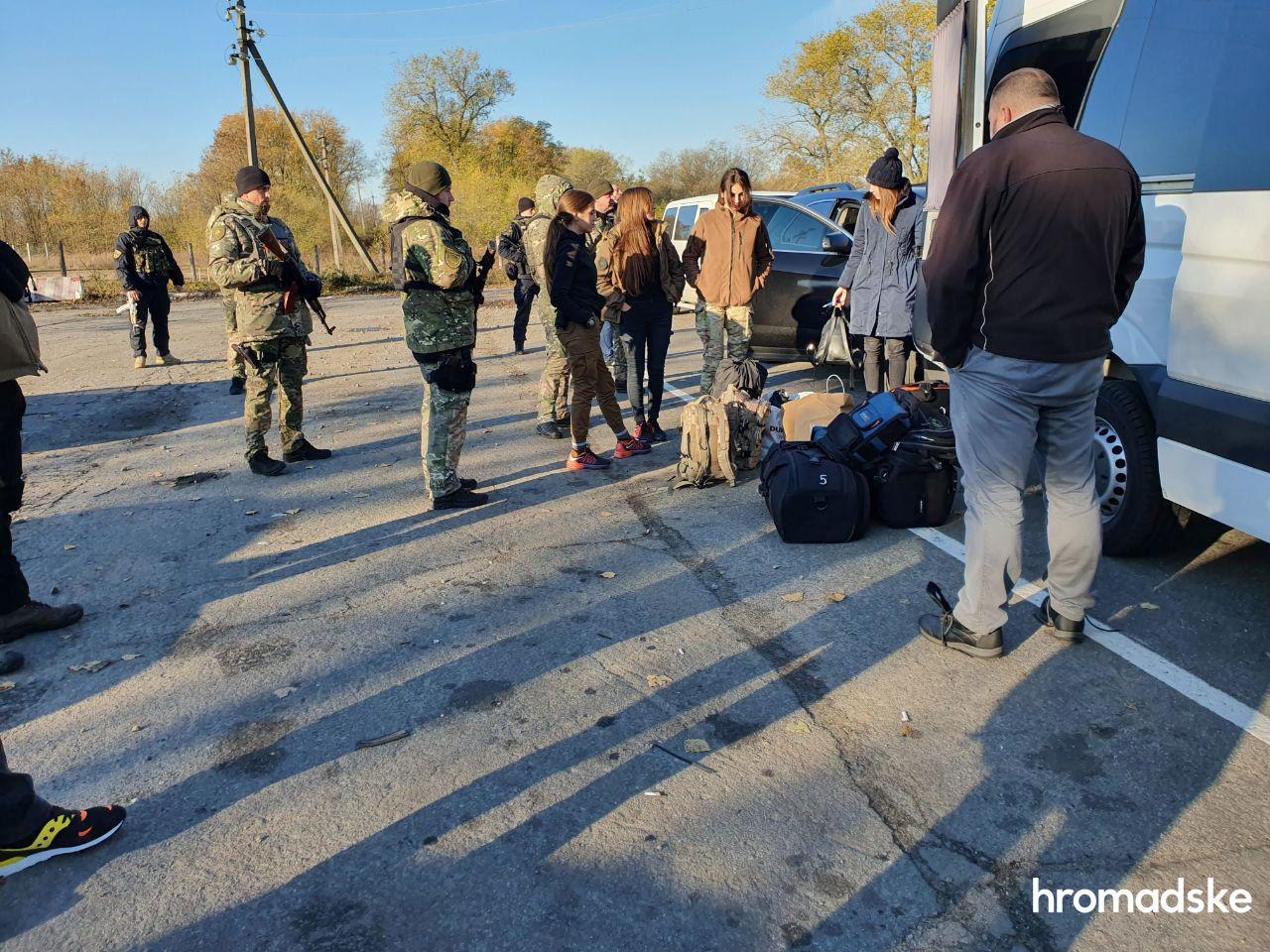 Поліція вилучила зброю у ветеранів АТО, які проривалися у Золоте для зриву розведення сил