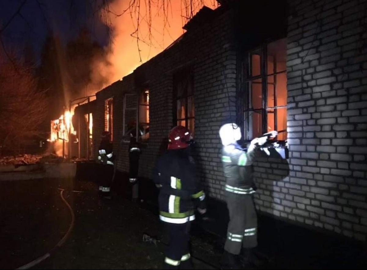 На Львівщині сталася пожежа у військовій частині: