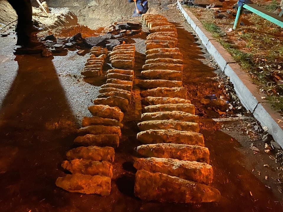 Возле Шулявского путепровода в Киеве нашли почти сотню боеприпасов времен Второй мировой