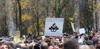 У Брюсселі утворили «живий ланцюг» на знак протесту проти зміни клімату
