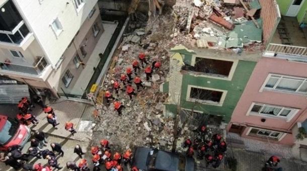"""Картинки по запросу """"В Стамбуле рухнул многоэтажный дом"""""""