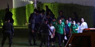 В Таиланде спецназ начал штурм торгового центра, в котором держит заложников военнослужащий