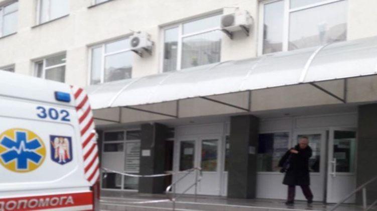 В Киеве парень выпал с восьмого этажа, празднуя свой День рождения
