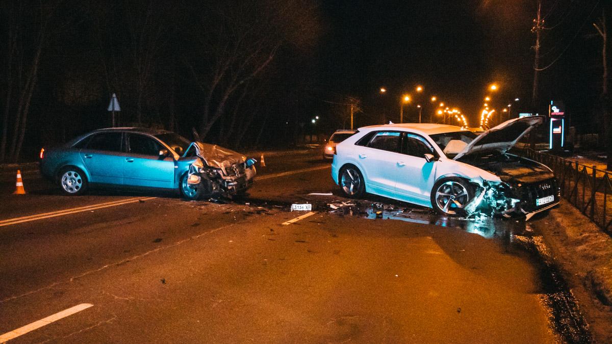 Под Киевом лоб в лоб столкнулись две Audi: пострадал мужчина