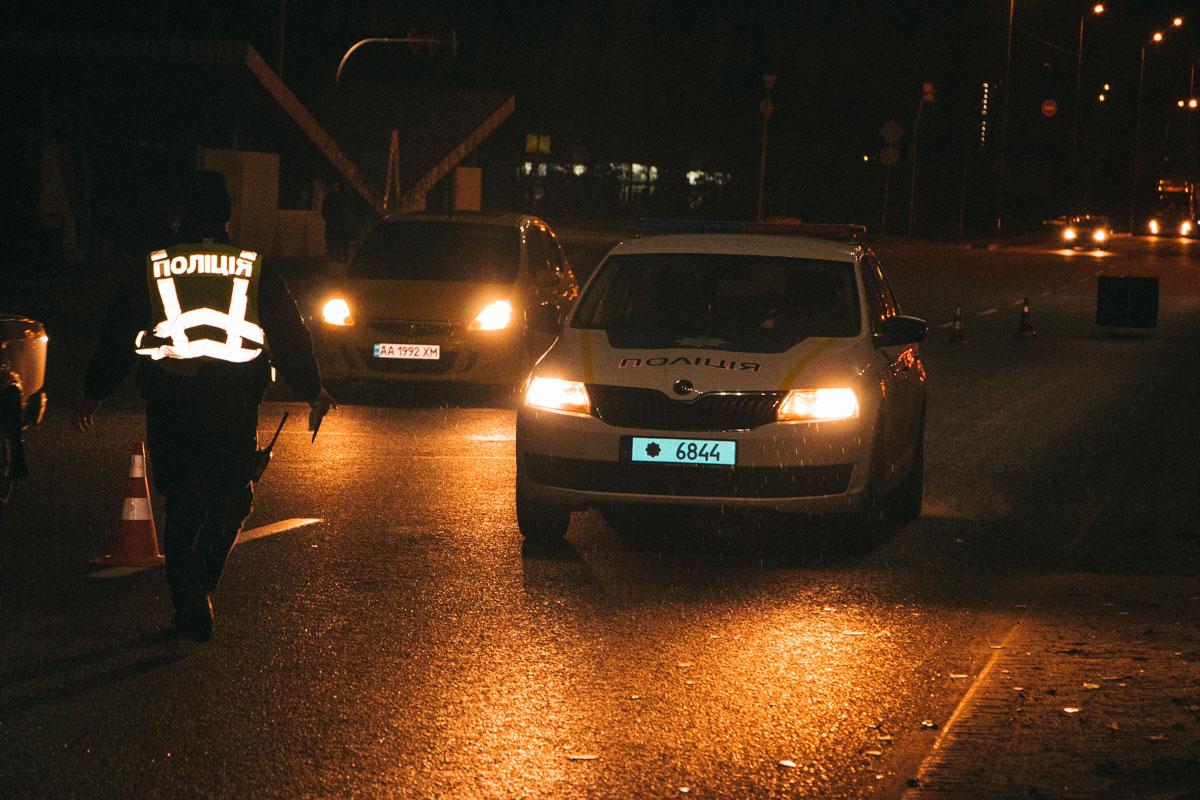 У Києві Jeep на смерть збив чоловіка над підземним переходом