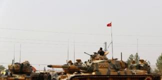 Туреччина стягує бронетехніку до кордону з Сирією