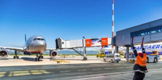В Польше закрыли авиа- и железнодорожное сообщение в стране