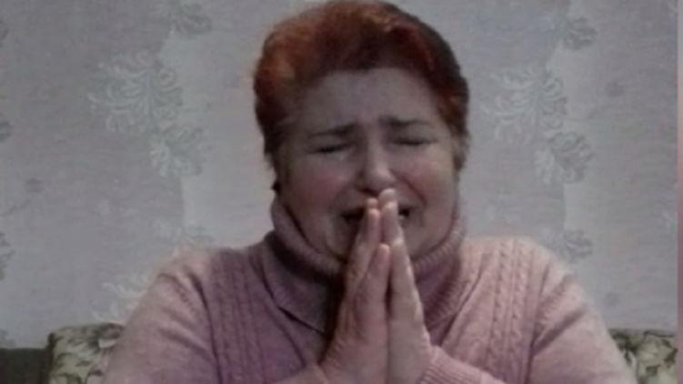 Жительница Буковины, заразившая односельчан коронавирусом, со слезами умоляет о прощении (ВИДЕО)
