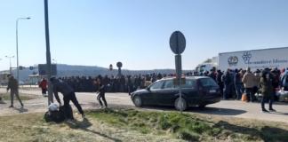 тысячи заробитчан штурмуют границу Украины перед полным закрытием (ВИДЕО)