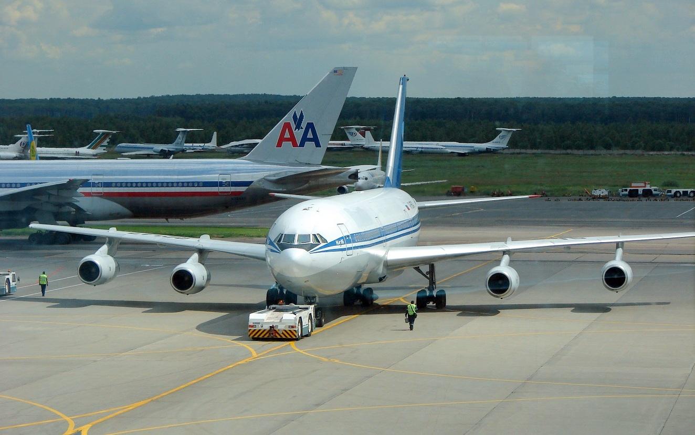 РФ полностью прекратит международное авиасообщение