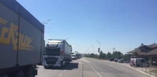 """В Киев ограничат въезд крупногабаритного транспорта из-за """"карантинных"""" пробок"""