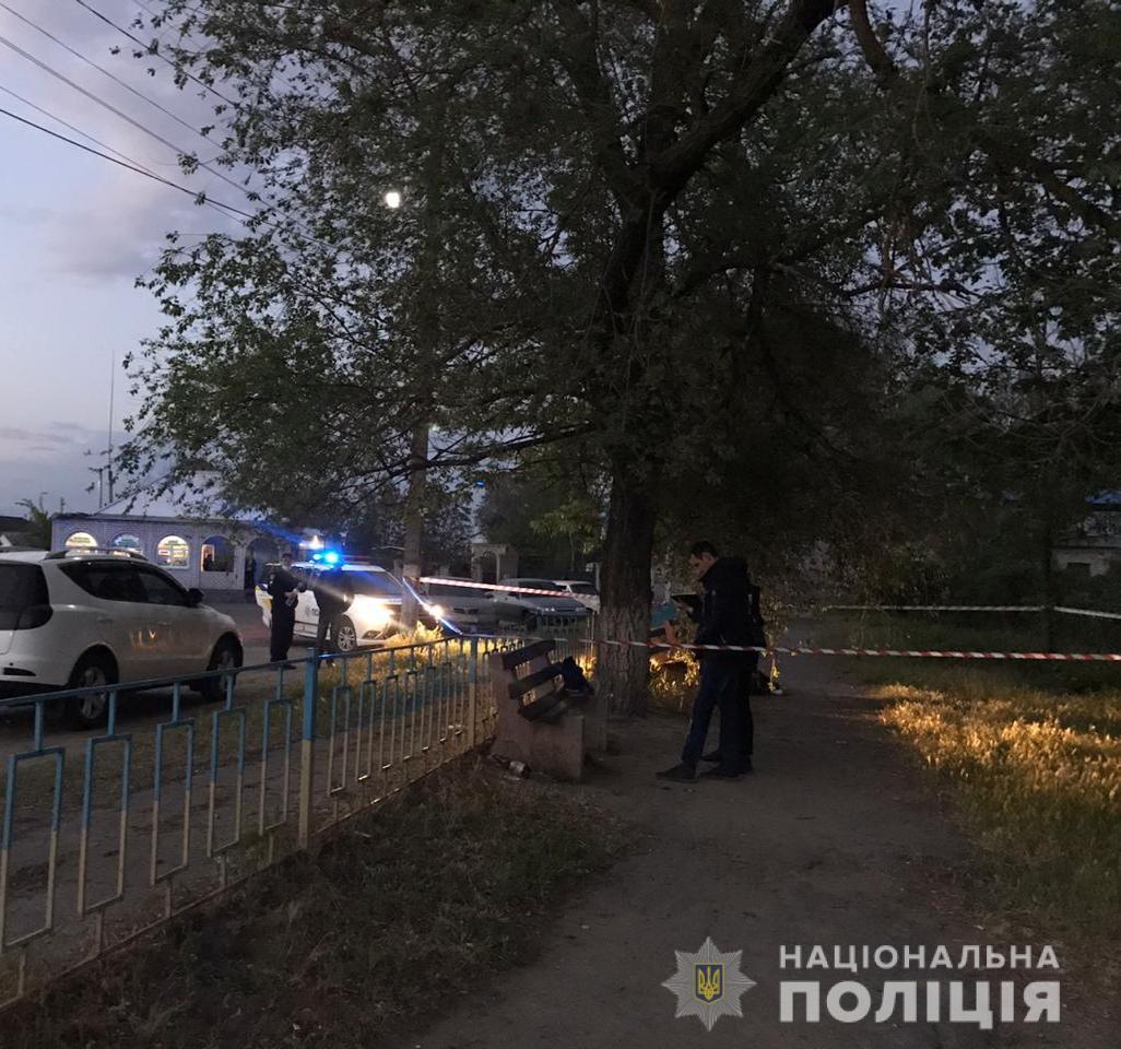 Під Миколаєвом в п'яному конфлікті через ревнощі чоловік з інвалідністю зарізав знайомого