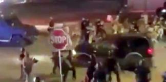 В Баффало внедорожник наехал на группу полицейских