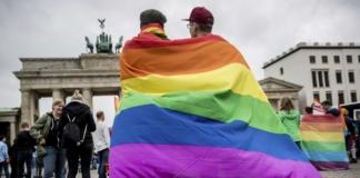 В Германии законодательно запретили лечить гомосексуальность