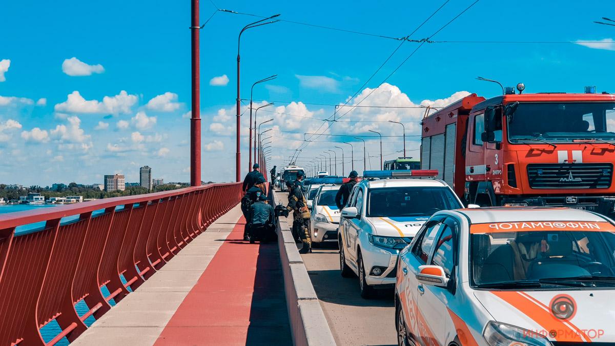 В Днепре 16-летняя девушка хотела прыгнуть с моста