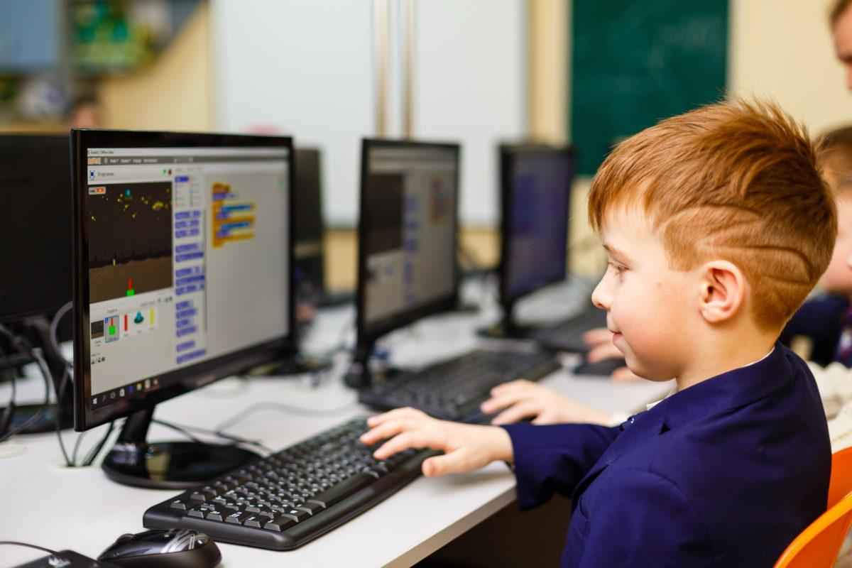 40% шкіл в Україні не підключені до якісного інтернету, — Мінцифри