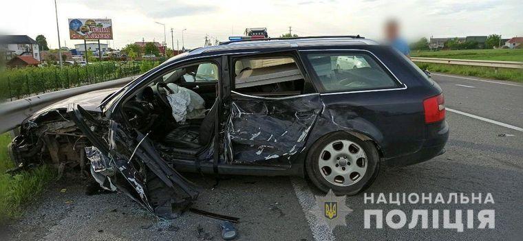 На Рівненщині зіткнулися вантажівка та три легковика: четверо загиблих (ФОТО)
