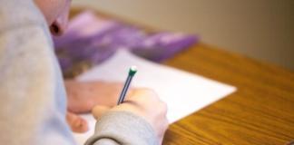 Зеленський підписав закон про скасування обов'язкових іспитів для школярів