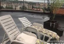 В Тернополе на крыше многоэтажки нашли лаундж-зону с кустами конопли (ФОТО)