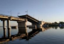 В Николаеве сам собой поднялся мост