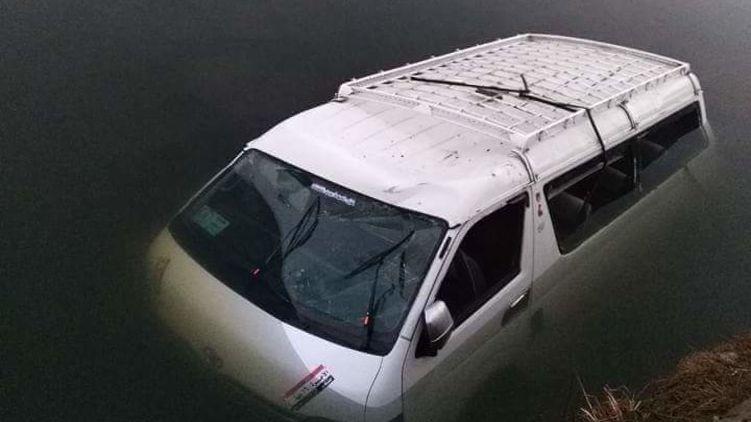 В Египте автобус слетел в канал: восемь человек утонули (ФОТО)