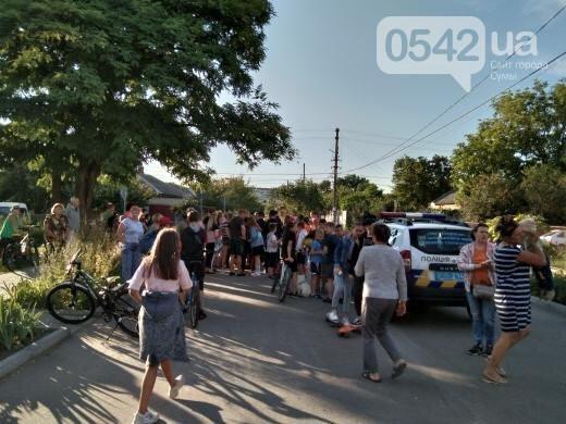 В Сумах жители перекрыли дорогу из-за изнасилования ребенка