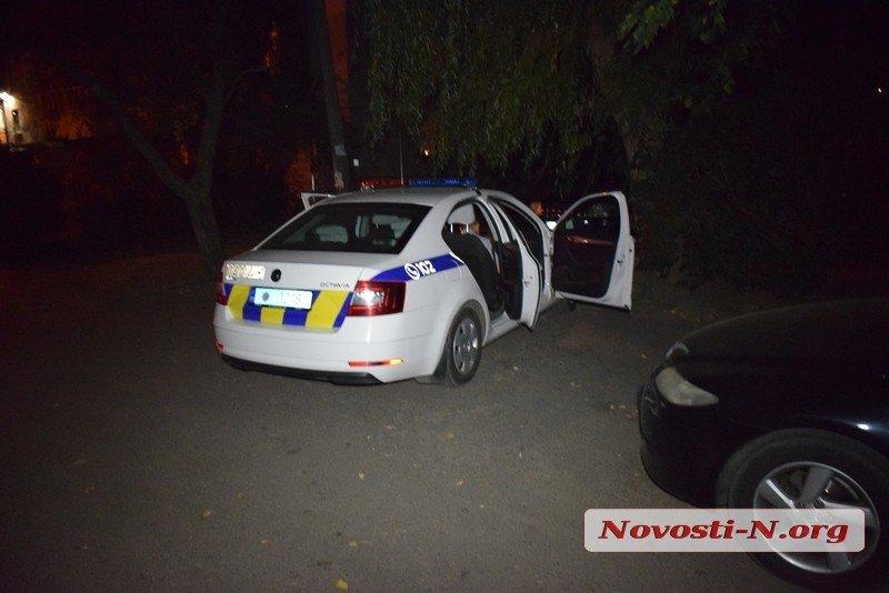 Ночью в Николаеве неизвестные выстрелили из ружья в окно магазина и скрылись