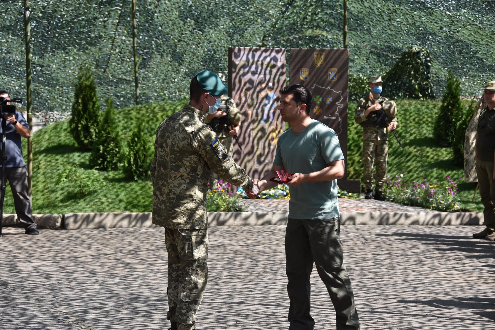 Зеленский на Донбассе