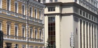 В Киеве террорист захватил банк и угрожает взорвать заложников бомбой