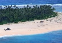 На необитаемом острове в Тихом океане нашли троих моряков из-за надписи SOS на песке
