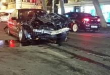 В Одессе 18-летний парень на BMW протаранил в четыре машины (ФОТО)