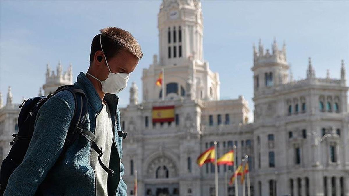Заболеваемость коронавирусом в Испании достигла апрельского рекорда