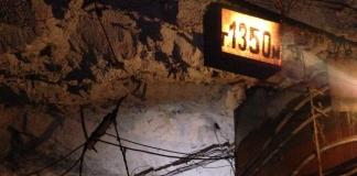 В Кривом Роге на поверхность не выходят сотни шахтеров