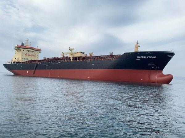 Капітан з України врятував у морі 27 мігрантів. Майже 40 днів його судну не дозволяли висадитися на березі