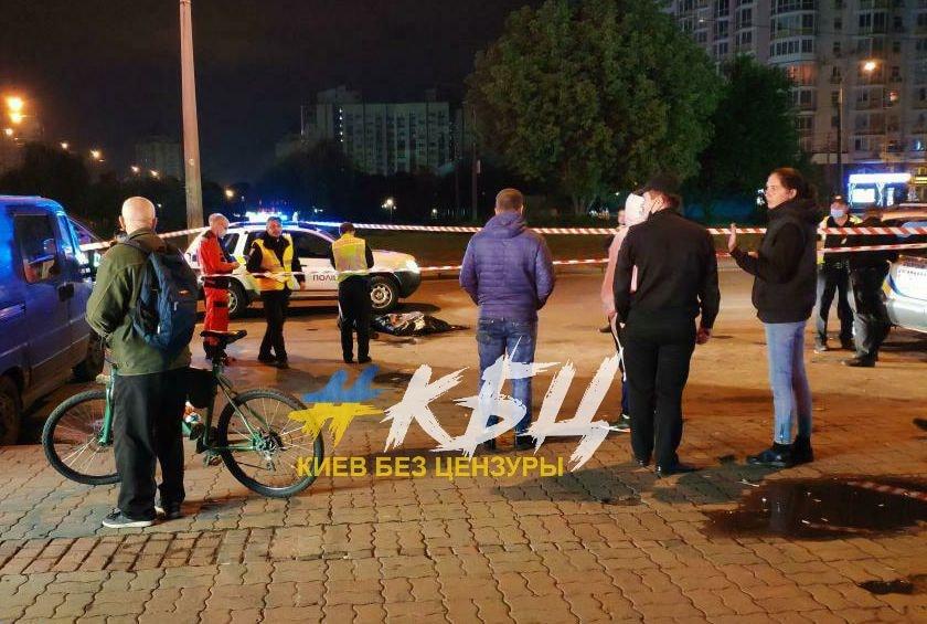 В Киеве на Минской пьяные мужчины не поделили бутылку пива: один умер