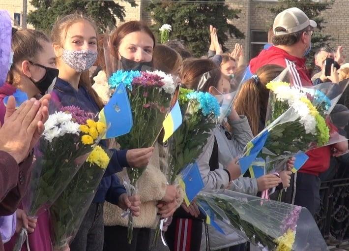 На Луганщині з оплесками провели рятувальників додому після ліквідації пожеж