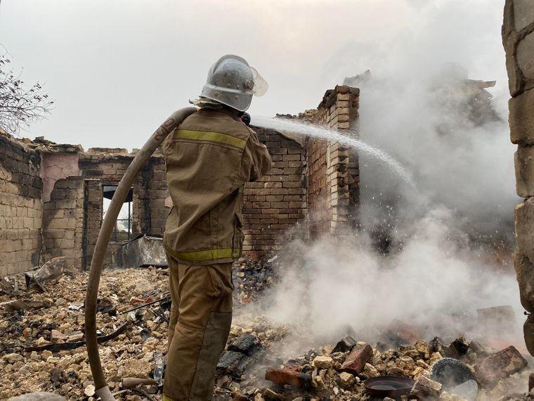 На Луганщині локалізували ще один осередок горіння: гасіння продовжується