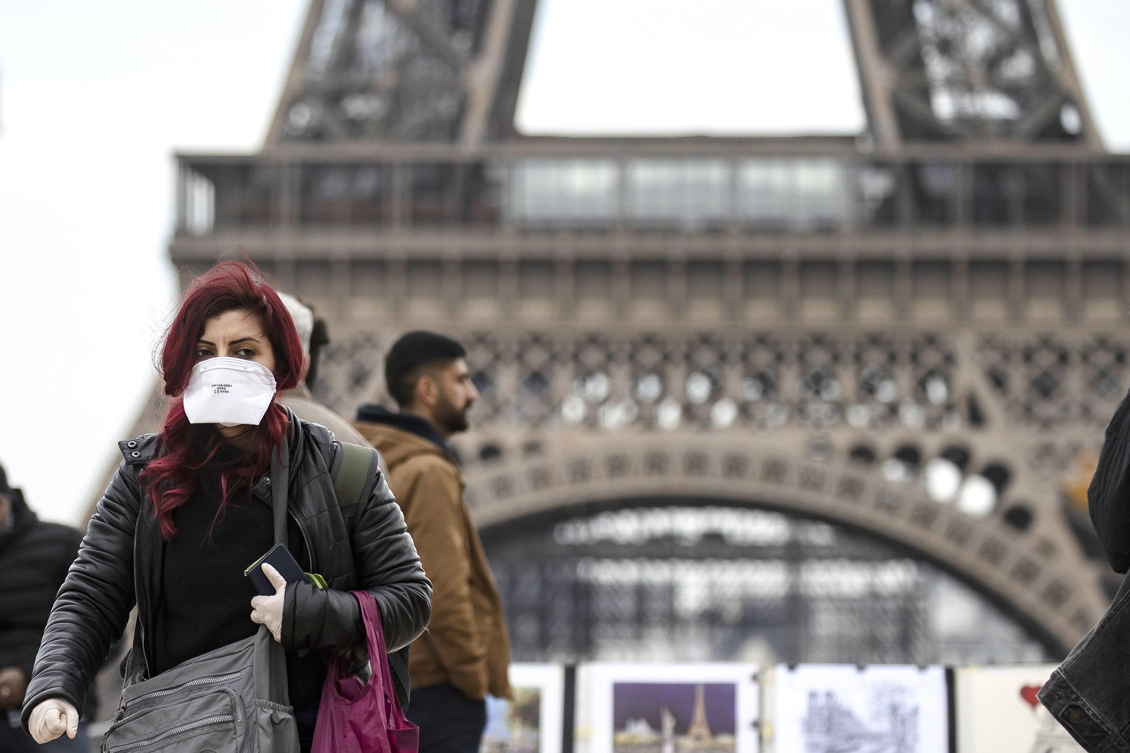 Париж коронавирус