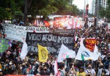 У Бразилії почались протести після смерті темношкірого чоловіка. Його до смерті побили охоронці супермаркету