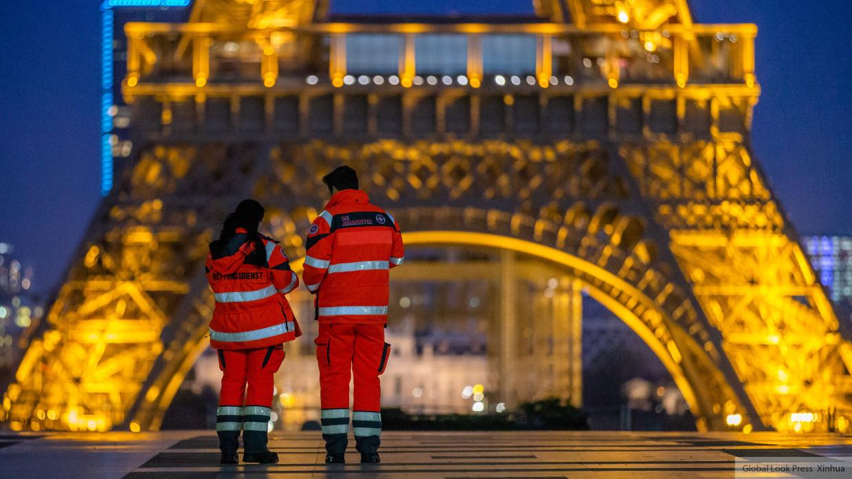 Во Франции на Рождество и Новый год отменят комендантский час