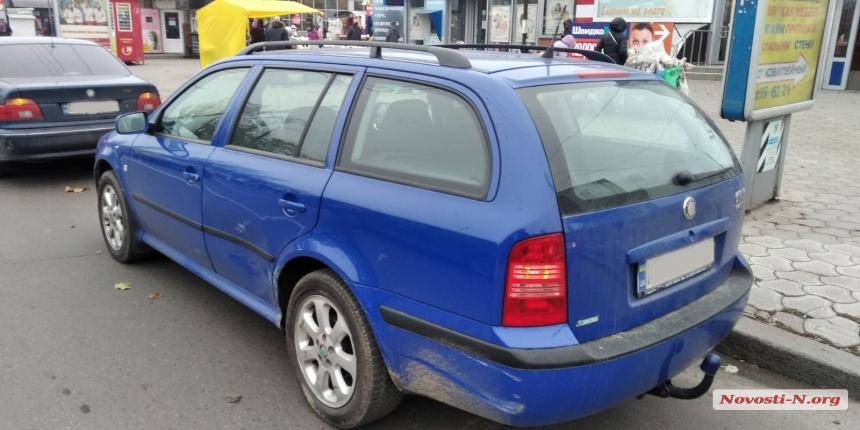В Николаеве пьяный водитель на бляхе устроил ДТП с тремя автомобилями