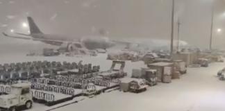 В аэропорту Мадрида из-за аномального снегопада на две недели застряли украинцы