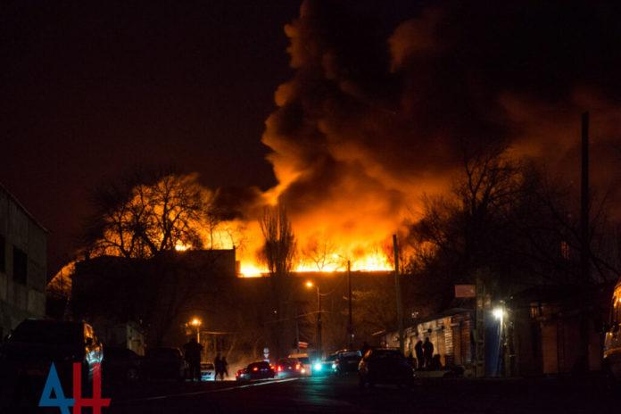 В Донецке горел мясокомбинат (ФОТО, ВИДЕО)