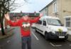 В Британии водителям школьных автобусов запретили носить рождественские свитера